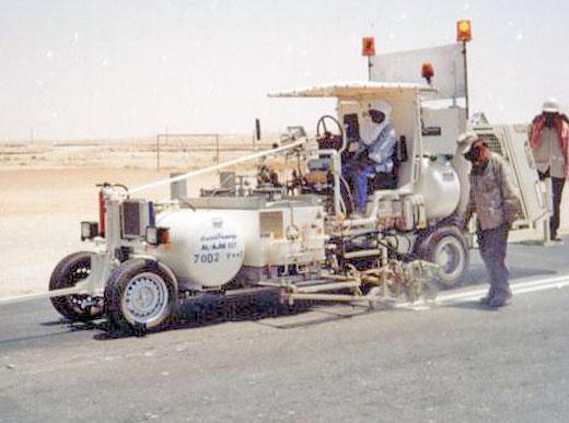 H33 Machine de marquage combiné: Enduits à chaud pulvérisés / peinture à froid, avec réservoir sous pression respectivement