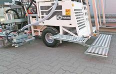 RM3D con plataforma adicional lateral así como superficie trasera plegable y rebajable
