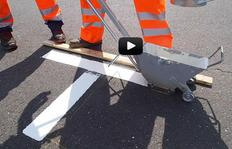Manual thermoplastic screed box - marking of parking areas