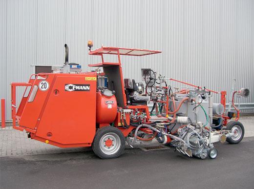 H33,комбинированная машина с напорным баком (500 л) для распыляемых термопластиков и термопластиков с использованием экструдера MultiDotLine<sup>®</sup>