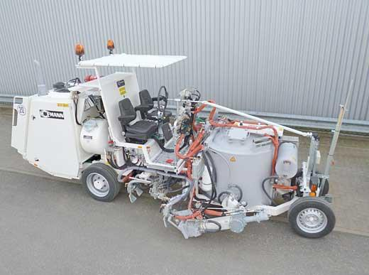 H26 комбинированная машина с баком под давлением (450 л) для спрей-термопластиков с продвижным маркирующим устройством, а также для термопластиков с двумя S+S стандартными экструдерами