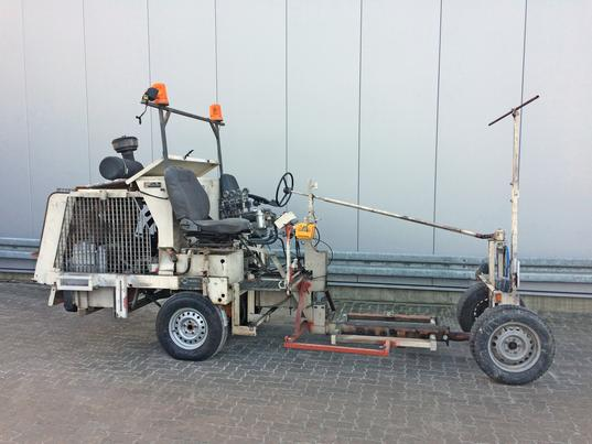 Offer 4440112: H33-1 HOFMANN Road Marking Machine | Chassis