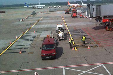 H33 in Hamburg/Deutschland mit 1K-Kaltfarben Airless System mit 5 Airlesspumpen, 1 x 460 ltr und 2 x 220 ltr sowie 2 x 110 ltr Druckbehälter