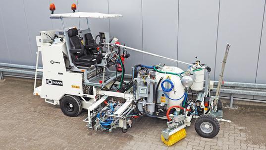 H18 Balgpumpensystem (460 ltr) mit Spotflex®System und Stachelwalze, M98:2 und elektrischer Perlschleuder
