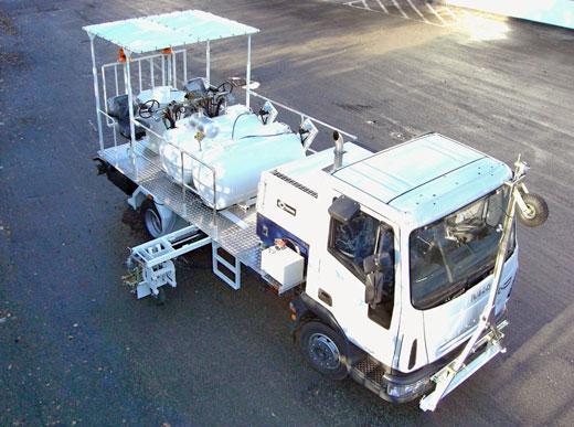 H36-1600 avec réservoirs sous pression pour peinture à froid <br>(2 x 800&nbsp;l), unité de marquage bilatérale