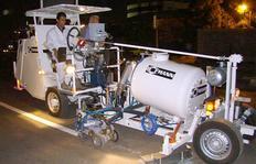 H26 durante aplicación mediante extrusión, proporción de mezcla 98:2, con depósito sin presión (585l)