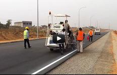 H18-1 – 2-component sprayable cold plastics – Airless (pump) – M98:2 – glass bead gun – Nigeria by HOFMANN Roadmarking Systems
