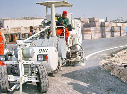 H33 machine de marquage combiné avec deux réservoirs sous pression (300l) pour enduits à chaud pulvérisés ainsi que pour peinture à froid (385l)