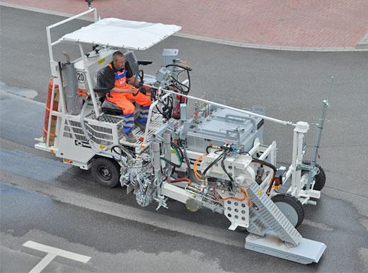 H18 Markierungsmaschine mit Trocknereinheit (Gebläseleistung ca. 2 x 10.000 Ltr/Min bei 600° C) und MultiDotLine<sup>®</sup> Exruder 30cm