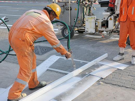 H16 con depósito adicional de 48 l para pinturas en frío, para trabajos manuales