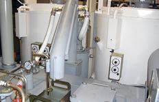 Bomba de suministro para pinturas termoplásticas (caudal aprox. 120l/min. à una altura de suministro de 1,60m) p.ej. en un camión de marcaje H75-1500 con calderas (2 x 600l) así como depósito presurizado (500l) para termoplásticos