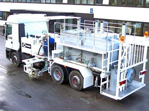 Машина дорожной разметки H75-3000P с безнапорными баками (2 x 1 500 л), для распыляемых термопластиков с насосом-дозатором, маркирующий блок устанавливается с обеих сторон