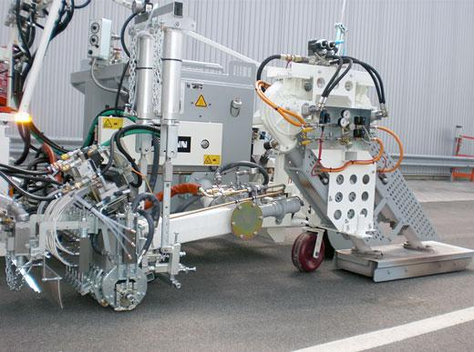 H18 Marking machine equipped with dryer unit (blower output approx. 2x10.000 l/min at 600° C) incl. MultiDotLine<sup>®</sup> extruder 30 cm