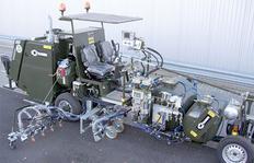 H26 в Португалии (военно-воздушная база), оборудованная 1-компонентной вакуумной системой для холодной краски, баки под давлением 1 x 540 л и 1 x 385 л  для использования с маркировочным блоком для линий шириной 90 см, включающим 4 распылителя краски