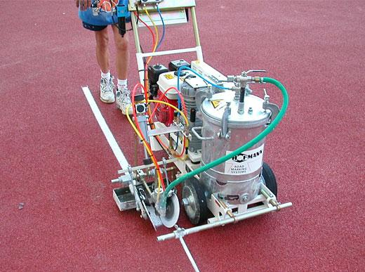 H5-1 для разметки спортивных площадок при разметке беговой дорожки на стадионе Олимпия в Риме