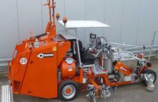 H33 Máquina pintabandas para termoplásticos pulverizables (420 l) incluído bomba dosificadora con 2 pistolas de pulverización