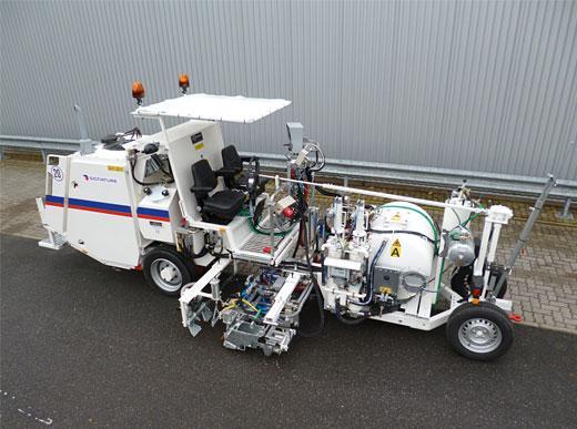 H26 sistema de bomba de fuelle con depósito presurizado de 540&nbsp;l equipado con<ul><li>sistema de cilindro de punta para marcaje estocástico con aglomerados</li><li>sistema Spotflex<sup>&reg;</sup> - para marcaje con aglomerados definidos así como </li