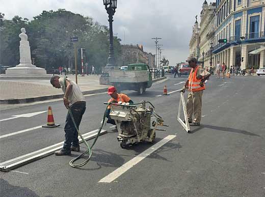 H5-1 con pistola pulverizadora a mano en La Habana/Cuba