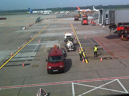 H33 en Hamburgo / Alemania con sistema de pinturas en frío de 1-componente Airless con 5 bombas Airless, 1 x 460 l y 2 x 220 l así como 2 x 110 l depósitos presurizados